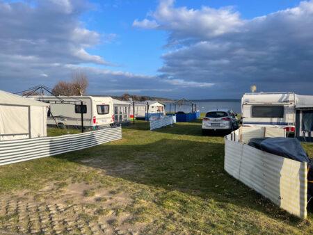 Campingplatz-Leisten Wohnwagen